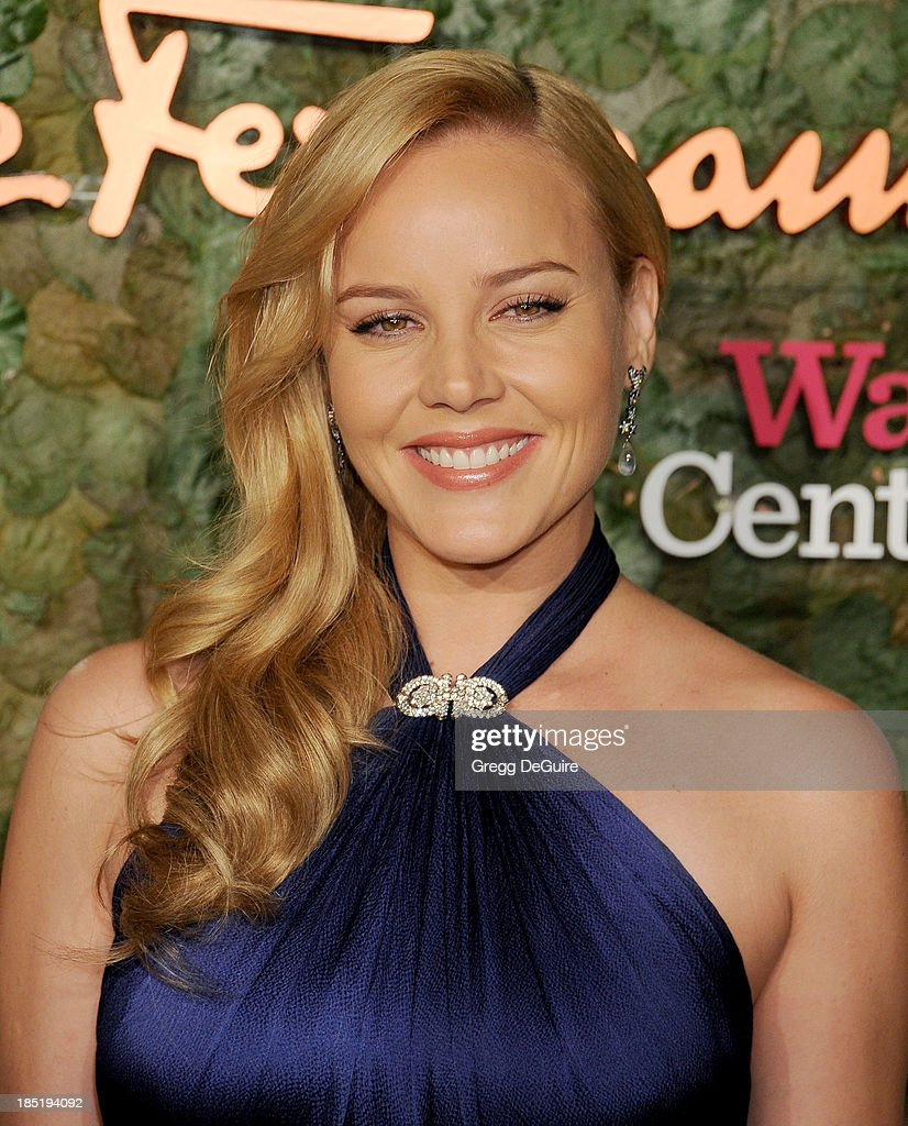 Actress <a gi-track='captionPersonalityLinkClicked' href=/galleries/search?phrase=Abbie+Cornish&family=editorial&specificpeople=213603 ng-click='$event.stopPropagation()'>Abbie Cornish</a> arrives at the Wallis Annenberg Center For The Performing Arts Inaugural Gala at Wallis Annenberg Center for the Performing Arts on October 17, 2013 in Beverly Hills, California.