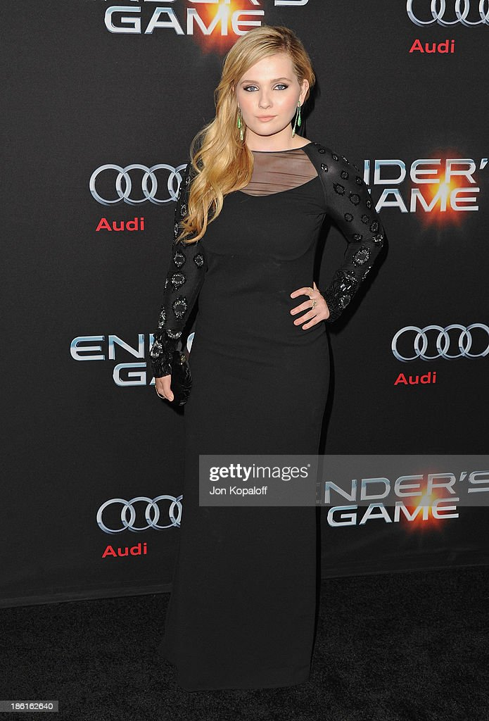 Actress <a gi-track='captionPersonalityLinkClicked' href=/galleries/search?phrase=Abigail+Breslin&family=editorial&specificpeople=226628 ng-click='$event.stopPropagation()'>Abigail Breslin</a> arrives at the Los Angeles Premiere 'Ender's Game' at TCL Chinese Theatre on October 28, 2013 in Hollywood, California.