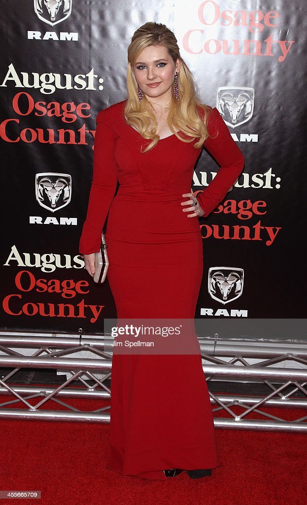 Actress Abigail Breslin attends the 'August: Osage County' premiere at Ziegfeld Theater on December 12, 2013 in New York City.