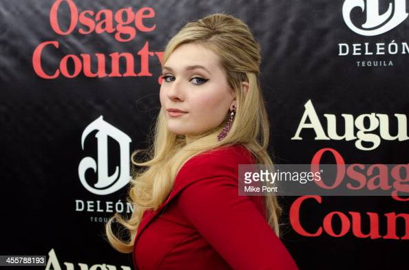 Actress Abigail Breslin attends the 'August Osage County' premiere at the Ziegfeld Theater on December 12 2013 in New York City