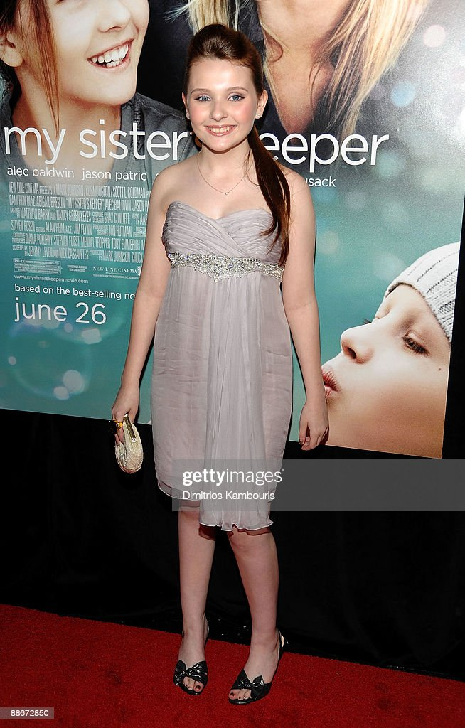 Actress Abigail Breslin attends the premiere of 'My Sister's Keeper' at the AMC Lincoln Square on June 24, 2009 in New York City.