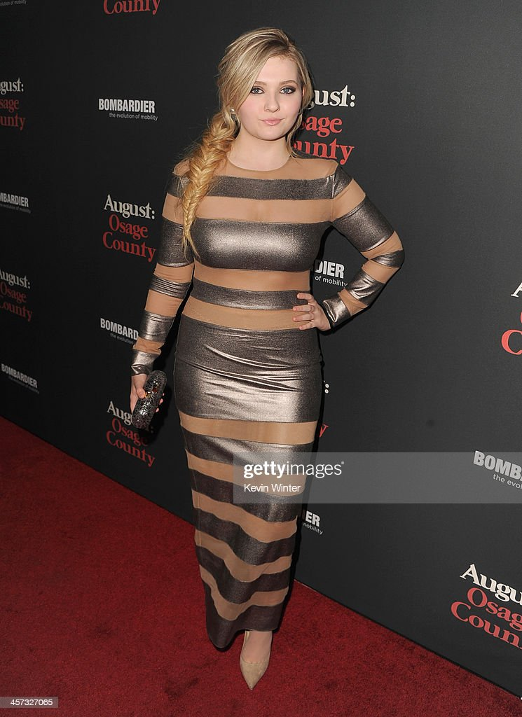 Actress Abigail Breslin attends the premiere of The Weinstein Company's 'August: Osage County' at Regal Cinemas L.A. Live on December 16, 2013 in Los Angeles, California.