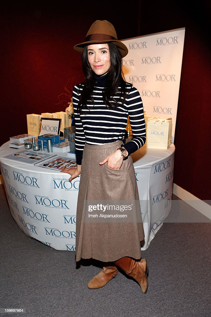 Actress Abigail Spencer attends Day 1 of the Kari Feinstein Style Lounge on January 18, 2013 in Park City, Utah.