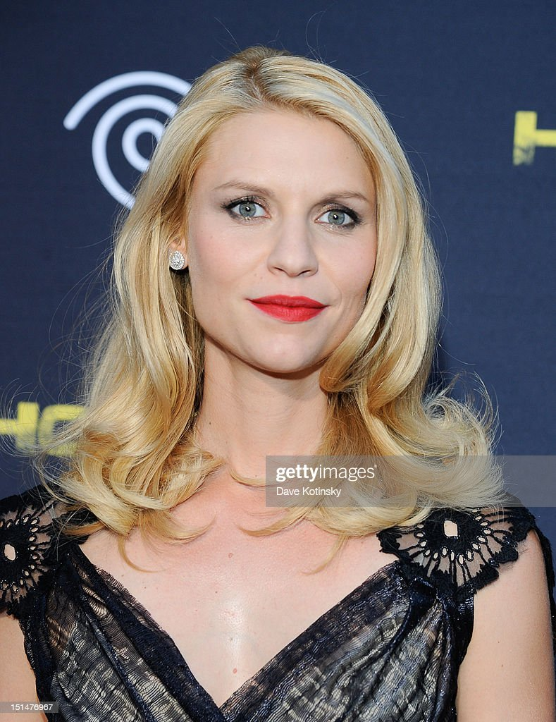 Actress Actress Claire Danes attends Time Warner Cable And Showtime Screening Of 'Homeland' Season 2 at Intrepid SeaAirSpace Museum on September 7...