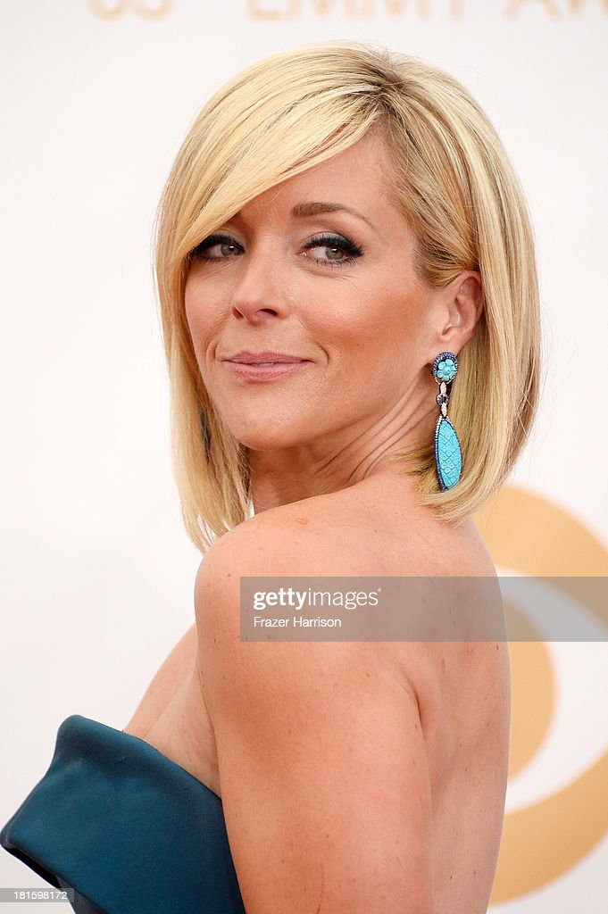 Actress Actress Jane Krakowski arrives at the 65th Annual Primetime Emmy Awards held at Nokia Theatre L.A. Live on September 22, 2013 in Los Angeles, California.