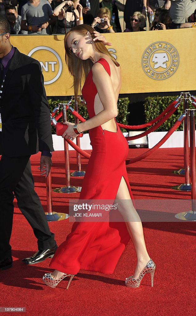 Actress Ahna O'Reilly arrives at the 18th Annual Screen Actors Guild Awards held at the Shrine Auditorium in Los Angeles California on January 29...