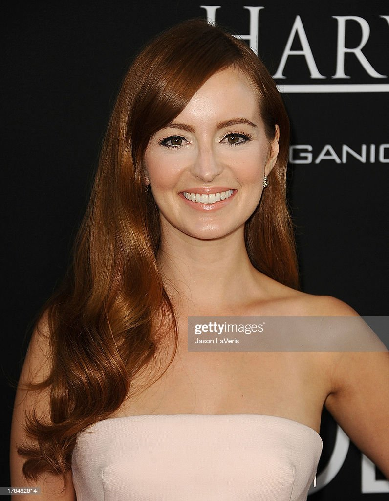 actress ahna oreilly attends the premiere of jobs at regal cinemas la picture id actress ahna o reilly attends the premiere of jobs at regal cinemas l a