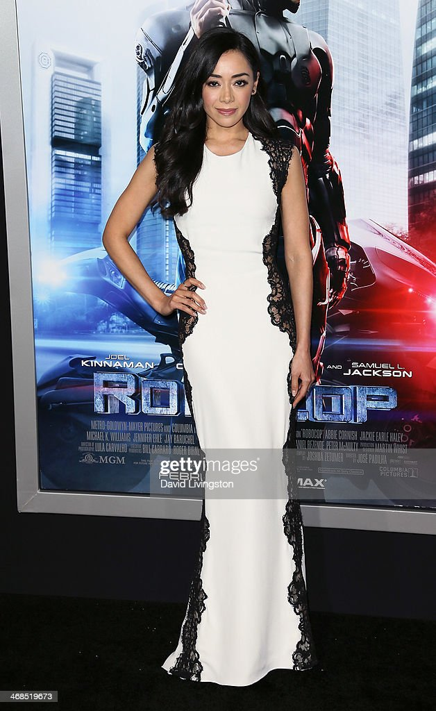 Actress <a gi-track='captionPersonalityLinkClicked' href=/galleries/search?phrase=Aimee+Garcia&family=editorial&specificpeople=561569 ng-click='$event.stopPropagation()'>Aimee Garcia</a> attends the premiere of Columbia Pictures' 'Robocop' at the TCL Chinese Theatre on February 10, 2014 in Hollywood, California.