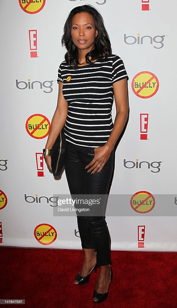 Actress <a gi-track='captionPersonalityLinkClicked' href=/galleries/search?phrase=Aisha+Tyler&family=editorial&specificpeople=202262 ng-click='$event.stopPropagation()'>Aisha Tyler</a> attends the premiere of The Weinstein Company's 'Bully' at the Mann Chinese 6 on March 26, 2012 in Los Angeles, California.