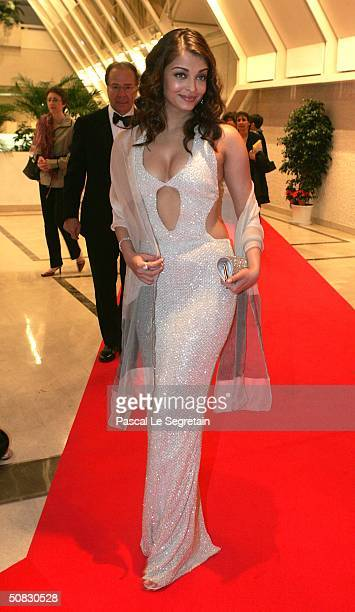 Actress Aishwarya Rai arrives at the 57th International Cannes Film Festival opening ceremony dinner May 12 2004 in Cannes France Rai is wearing...