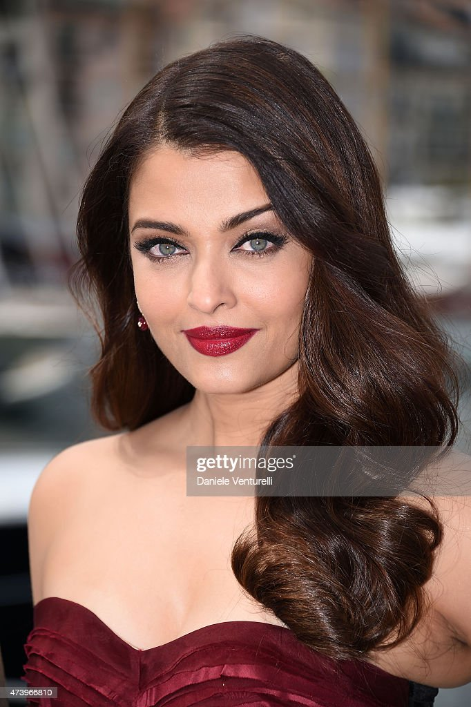 Actress <a gi-track='captionPersonalityLinkClicked' href=/galleries/search?phrase=Aishwarya+Rai&family=editorial&specificpeople=202237 ng-click='$event.stopPropagation()'>Aishwarya Rai</a> attends the 'Jazbaa' Photocall during the 68th annual Cannes Film Festival on May 19, 2015 in Cannes, France.