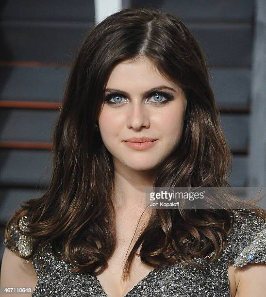Actress Alexandra Daddario arrives at the 2015 Vanity Fair Oscar Party Hosted By Graydon Carter at Wallis Annenberg Center for the Performing Arts on...