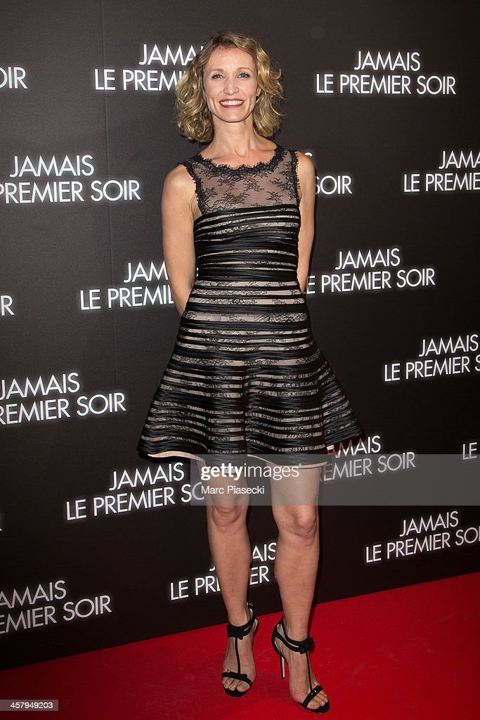 Actress <a gi-track='captionPersonalityLinkClicked' href=/galleries/search?phrase=Alexandra+Lamy&family=editorial&specificpeople=538442 ng-click='$event.stopPropagation()'>Alexandra Lamy</a> attends the 'Jamais le premier soir' Premiere on December 19, 2013 in Paris, France.