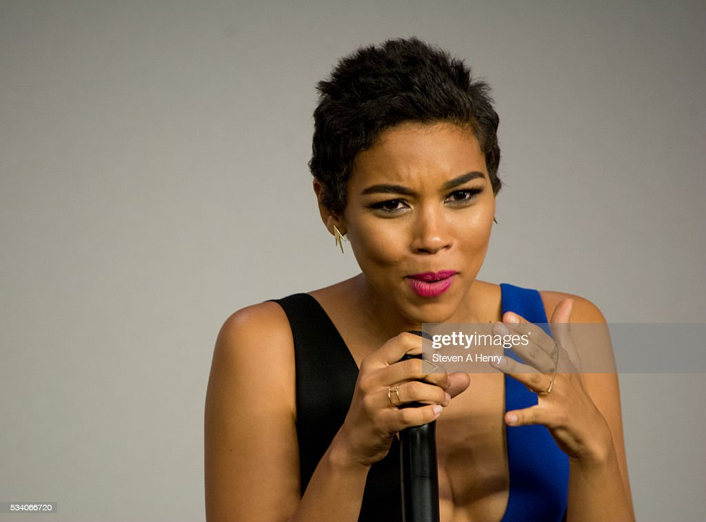 Actress <a gi-track='captionPersonalityLinkClicked' href=/galleries/search?phrase=Alexandra+Shipp&family=editorial&specificpeople=10012876 ng-click='$event.stopPropagation()'>Alexandra Shipp</a> attends Meet the Cast: 'X-Men Apocalypse' at Apple Store Soho on May 24, 2016 in New York City.