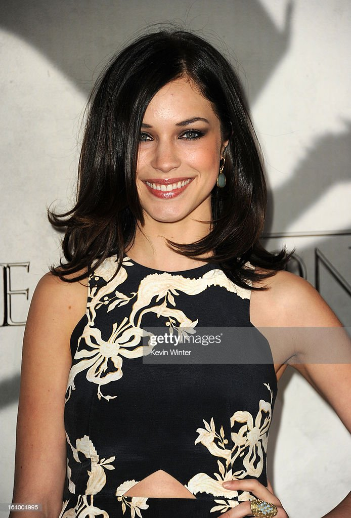 Actress Alexis Knapp arrives at the premiere of HBO's 'Game Of Thrones' Season 3 at TCL Chinese Theatre on March 18, 2013 in Hollywood, California.