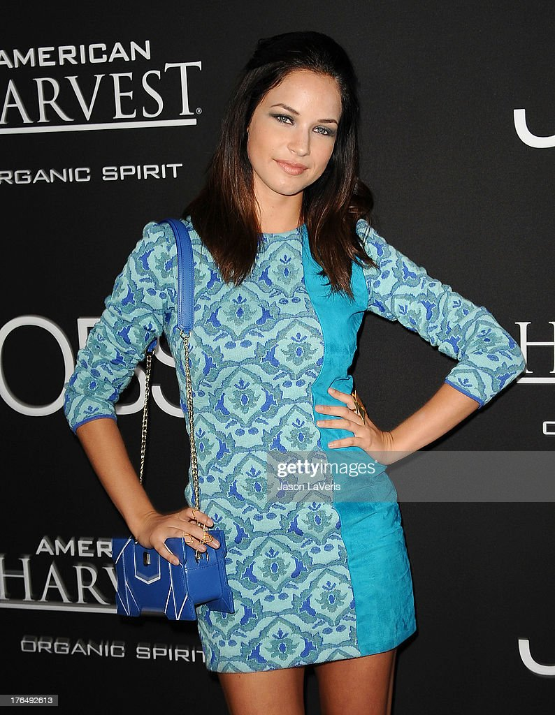 alexis knapp photos pictures of alexis knapp getty images actress alexis knapp attends the premiere of jobs at regal cinemas l a live on