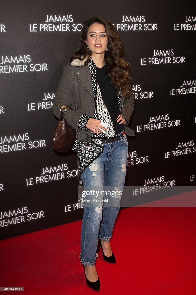 Actress Alice David attends the 'Jamais le premier soir' Premiere on December 19, 2013 in Paris, France.