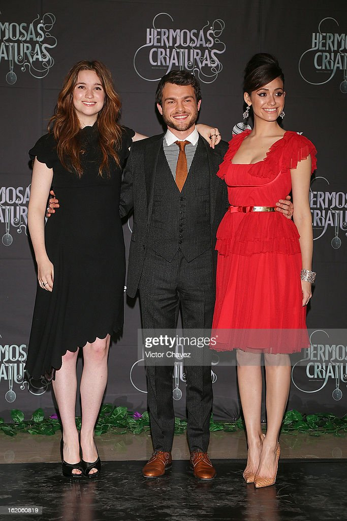 Actress <a gi-track='captionPersonalityLinkClicked' href=/galleries/search?phrase=Alice+Englert&family=editorial&specificpeople=616562 ng-click='$event.stopPropagation()'>Alice Englert</a>, actor <a gi-track='captionPersonalityLinkClicked' href=/galleries/search?phrase=Alden+Ehrenreich&family=editorial&specificpeople=4069445 ng-click='$event.stopPropagation()'>Alden Ehrenreich</a> and actress <a gi-track='captionPersonalityLinkClicked' href=/galleries/search?phrase=Emmy+Rossum&family=editorial&specificpeople=202563 ng-click='$event.stopPropagation()'>Emmy Rossum</a> attend the 'Beautiful Creatures' Mexico City premiere at Cinemex Antara on February 18, 2013 in Mexico City, Mexico.