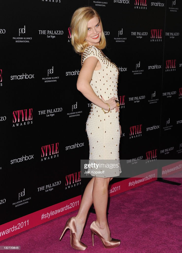 Actress <a gi-track='captionPersonalityLinkClicked' href=/galleries/search?phrase=Alice+Eve+-+Actress&family=editorial&specificpeople=570229 ng-click='$event.stopPropagation()'>Alice Eve</a> arrives at the 2011 Hollywood Style Awards at Smashbox West Hollywood on November 13, 2011 in West Hollywood, California.