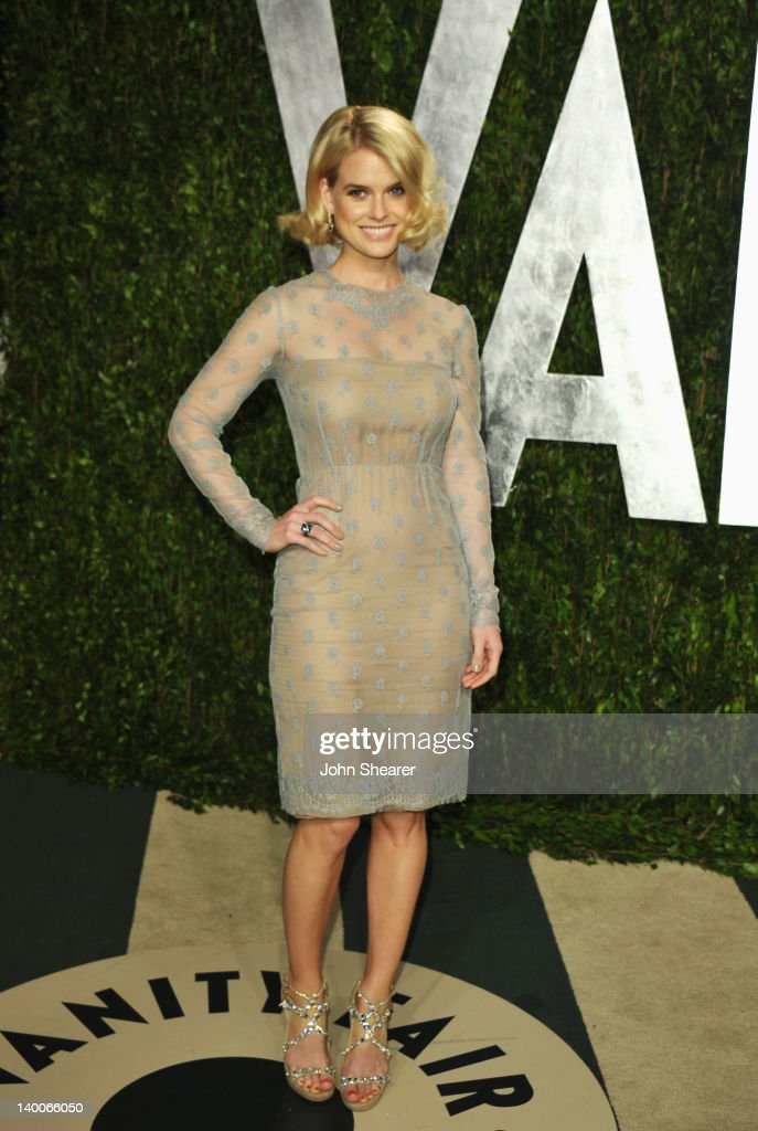 Actress <a gi-track='captionPersonalityLinkClicked' href=/galleries/search?phrase=Alice+Eve&family=editorial&specificpeople=570229 ng-click='$event.stopPropagation()'>Alice Eve</a> arrives at the 2012 Vanity Fair Oscar Party hosted by Graydon Carter at Sunset Tower on February 26, 2012 in West Hollywood, California.