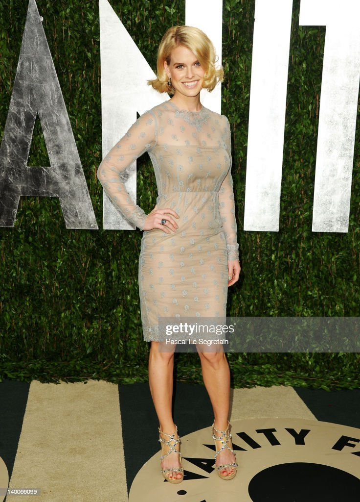 Actress <a gi-track='captionPersonalityLinkClicked' href=/galleries/search?phrase=Alice+Eve+-+Actress&family=editorial&specificpeople=570229 ng-click='$event.stopPropagation()'>Alice Eve</a> arrives at the 2012 Vanity Fair Oscar Party hosted by Graydon Carter at Sunset Tower on February 26, 2012 in West Hollywood, California.