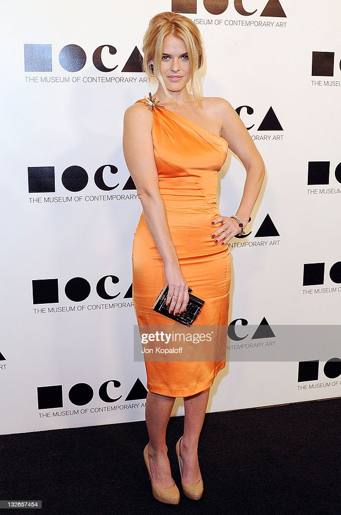 Actress <a gi-track='captionPersonalityLinkClicked' href=/galleries/search?phrase=Alice+Eve+-+Actress&family=editorial&specificpeople=570229 ng-click='$event.stopPropagation()'>Alice Eve</a> arrives at the MOCA Gala 2011 - An Artist's Life Manifesto Directed By Marina Abramovic at MOCA Grand Avenue on November 12, 2011 in Los Angeles, California.