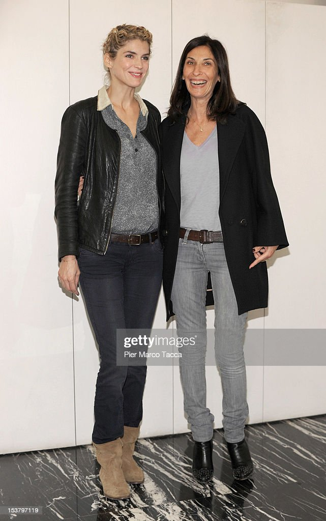 Actress Alice Taglioni (L) and director Sophie Lellouche attend a photocall for 'Paris - Manhattan' on October 9, 2012 in Milan, Italy.