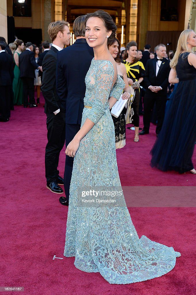 Actress Alicia Vikander arrives at the Oscars at Hollywood & Highland Center on February 24, 2013 in Hollywood, California.