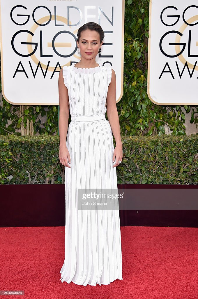 Actress <a gi-track='captionPersonalityLinkClicked' href=/galleries/search?phrase=Alicia+Vikander&family=editorial&specificpeople=7246025 ng-click='$event.stopPropagation()'>Alicia Vikander</a> attends the 73rd Annual Golden Globe Awards held at the Beverly Hilton Hotel on January 10, 2016 in Beverly Hills, California.