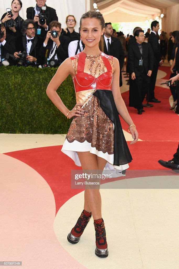 actress-alicia-vikander-attends-the-manus-x-machina-fashion-in-an-age-picture-id527337246
