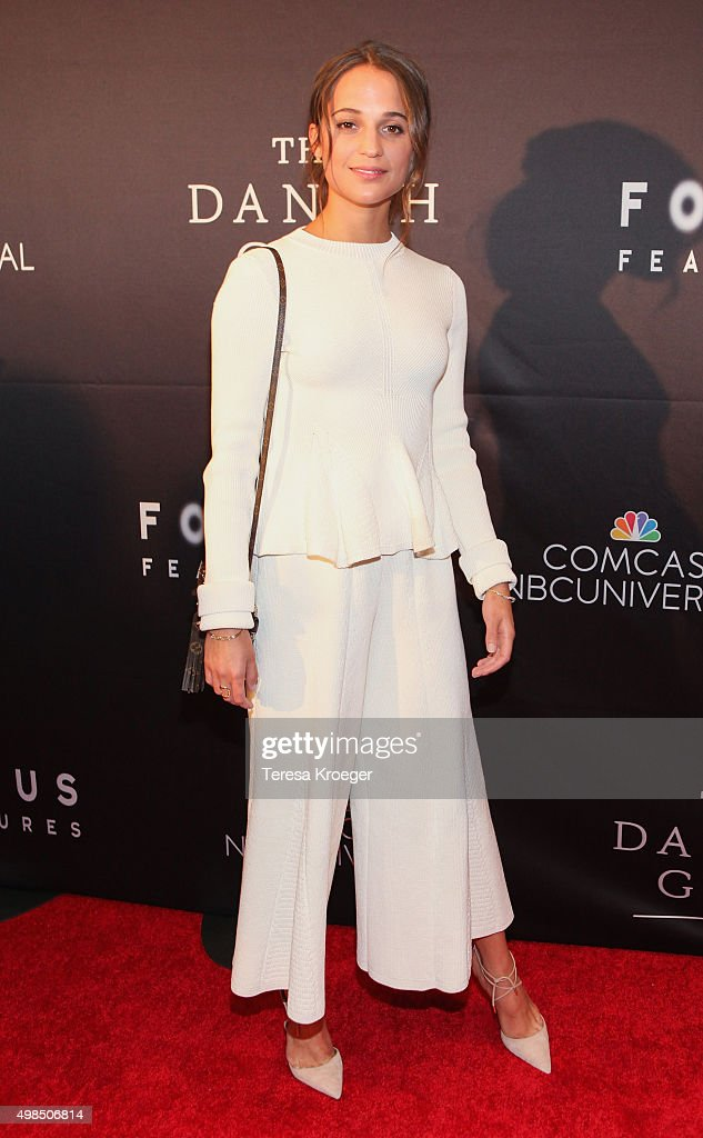 Actress <a gi-track='captionPersonalityLinkClicked' href=/galleries/search?phrase=Alicia+Vikander&family=editorial&specificpeople=7246025 ng-click='$event.stopPropagation()'>Alicia Vikander</a> attends the premiere of 'The Danish Girl' commemorating the Annual Transgender Day of Remembrance at the United States Navy Memorial on November 23, 2015 in Washington, DC.