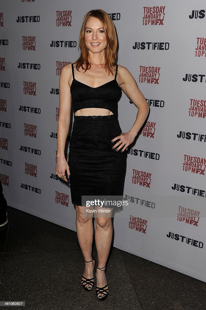 Actress <a gi-track='captionPersonalityLinkClicked' href=/galleries/search?phrase=Alicia+Witt&family=editorial&specificpeople=213702 ng-click='$event.stopPropagation()'>Alicia Witt</a> attends the season 5 premiere screening of FX's 'Justified' at the DGA Theater on January 6, 2014 in Los Angeles, California.
