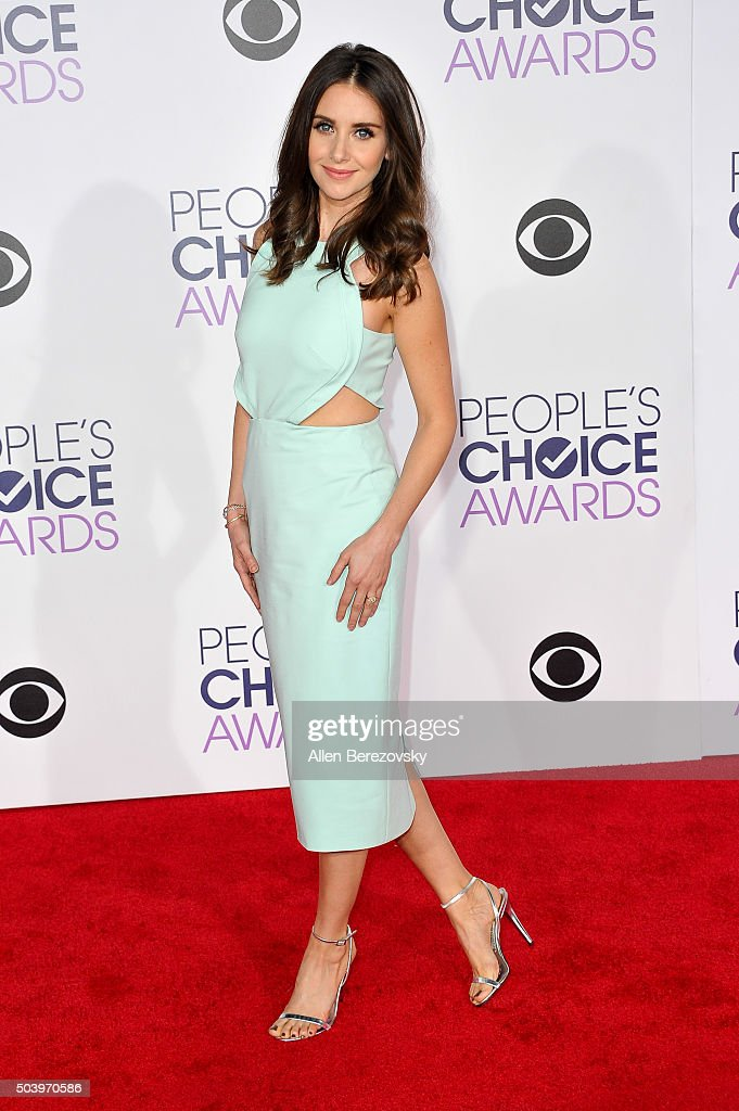 Actress Alison Brie arrives at the People's Choice Awards 2016 at Microsoft Theater on January 6, 2016 in Los Angeles, California.