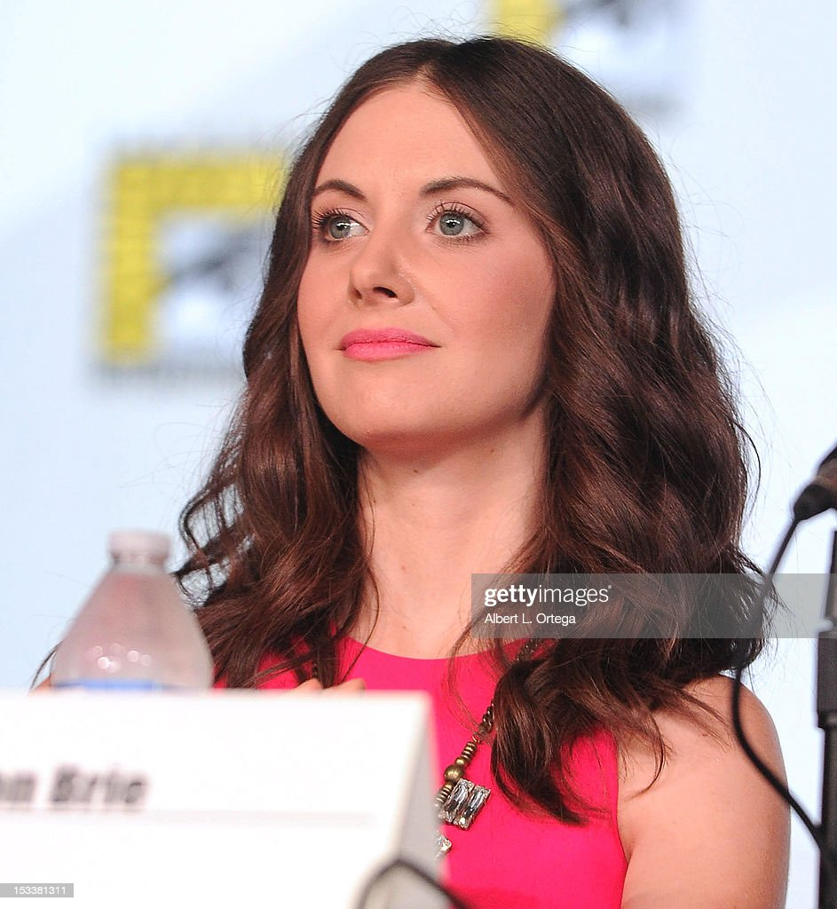 Actress <a gi-track='captionPersonalityLinkClicked' href=/galleries/search?phrase=Alison+Brie&family=editorial&specificpeople=5447578 ng-click='$event.stopPropagation()'>Alison Brie</a> participates in 'Community' - School is Back In Session Panel - Comic-Con International 2012 held at San Diego Convention Center on July 12, 2012 in San Diego, California.