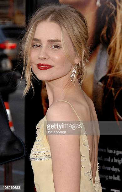 Actress Alison Lohman arrives at the Los Angeles Premiere 'Drag Me to Hell' at Grauman's Chinese Theatre on May 12 2009 in Hollywood California