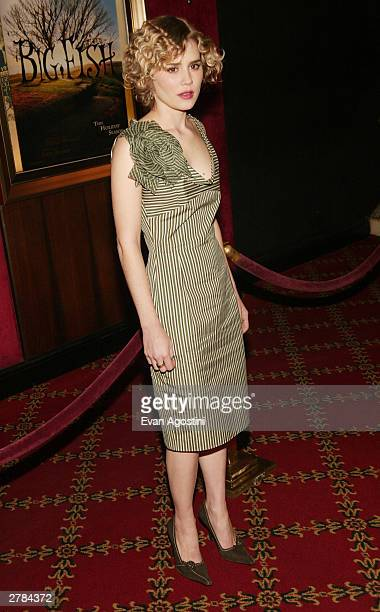 Actress Alison Lohman attends the world premiere of 'Big Fish' at the Ziegfeld Theater December 04 2003 in New York City