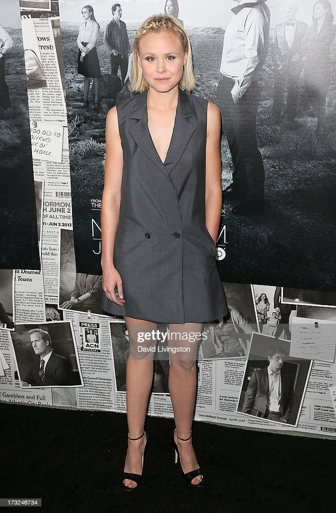 Actress <a gi-track='captionPersonalityLinkClicked' href=/galleries/search?phrase=Alison+Pill&family=editorial&specificpeople=585936 ng-click='$event.stopPropagation()'>Alison Pill</a> attends the premiere of HBO's 'The Newsroom' Season 2 at the Paramount Theater on the Paramount Studios lot on July 10, 2013 in Hollywood, California.