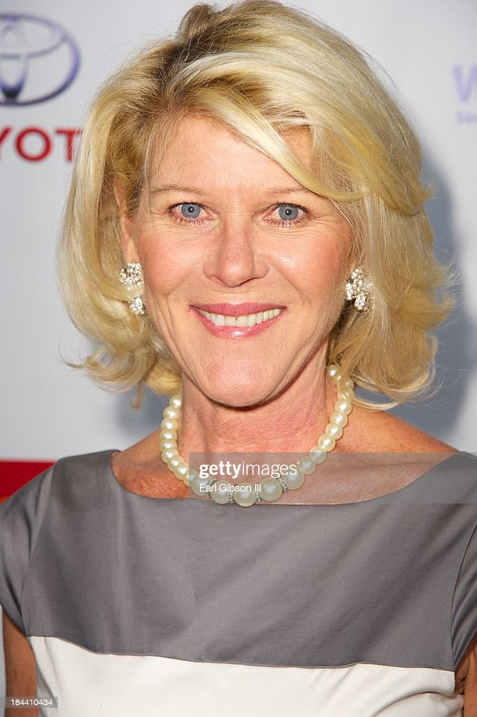 Actress <a gi-track='captionPersonalityLinkClicked' href=/galleries/search?phrase=Alley+Mills&family=editorial&specificpeople=665148 ng-click='$event.stopPropagation()'>Alley Mills</a> attends the 16th Annual First Ladies High Tea at Westin Los Angeles Airport on October 12, 2013 in Los Angeles, California.