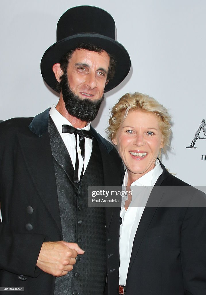Actress <a gi-track='captionPersonalityLinkClicked' href=/galleries/search?phrase=Alley+Mills&family=editorial&specificpeople=665148 ng-click='$event.stopPropagation()'>Alley Mills</a> attends the premiere of 'America' at Regal Cinemas L.A. Live on June 30, 2014 in Los Angeles, California.