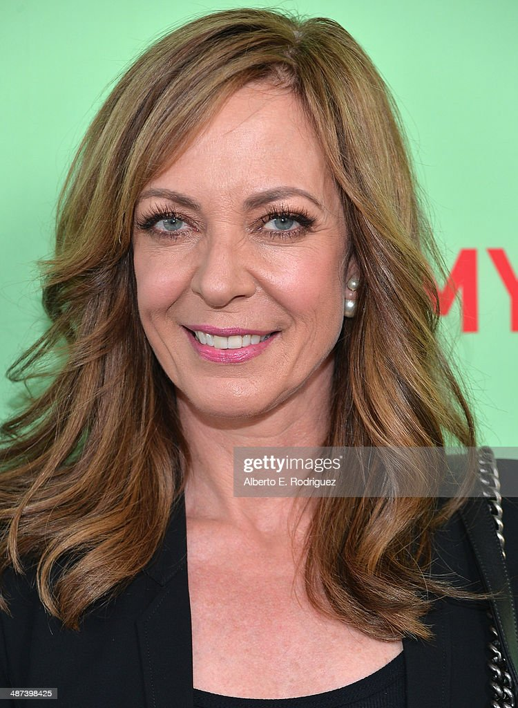 Actress <a gi-track='captionPersonalityLinkClicked' href=/galleries/search?phrase=Allison+Janney&family=editorial&specificpeople=206290 ng-click='$event.stopPropagation()'>Allison Janney</a> arrives to an exclusive conversation with the cast of Showtime's 'Masters Of Sex' at Leonard H. Goldenson Theatre on April 29, 2014 in North Hollywood, California.