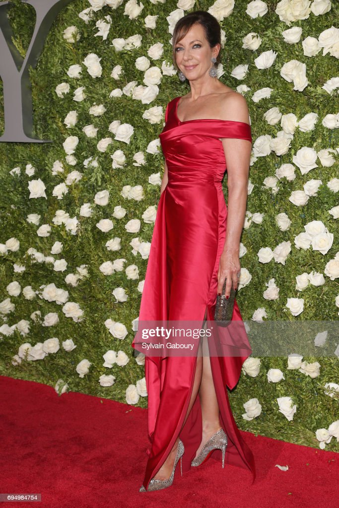 actress-allison-janney-attends-the-2017-tony-awards-at-radio-city-picture-id694984754