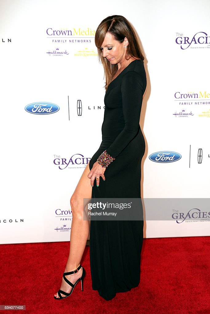 Actress <a gi-track='captionPersonalityLinkClicked' href=/galleries/search?phrase=Allison+Janney&family=editorial&specificpeople=206290 ng-click='$event.stopPropagation()'>Allison Janney</a> attends the 41st Annual Gracie Awards at Regent Beverly Wilshire Hotel on May 24, 2016 in Beverly Hills, California.