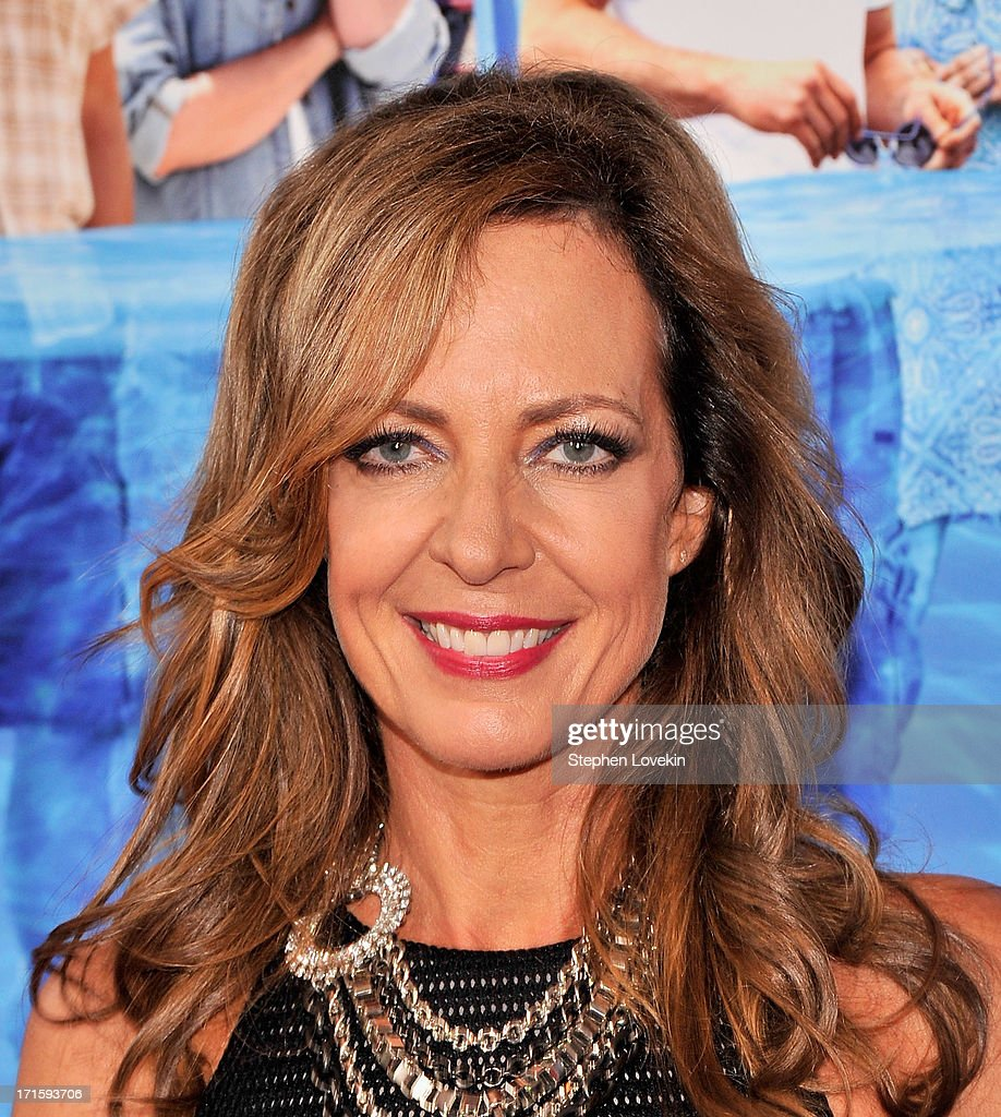 Actress <a gi-track='captionPersonalityLinkClicked' href=/galleries/search?phrase=Allison+Janney&family=editorial&specificpeople=206290 ng-click='$event.stopPropagation()'>Allison Janney</a> attends 'The Way, Way Back ' New York Premiere at AMC Loews Lincoln Square on June 26, 2013 in New York City.