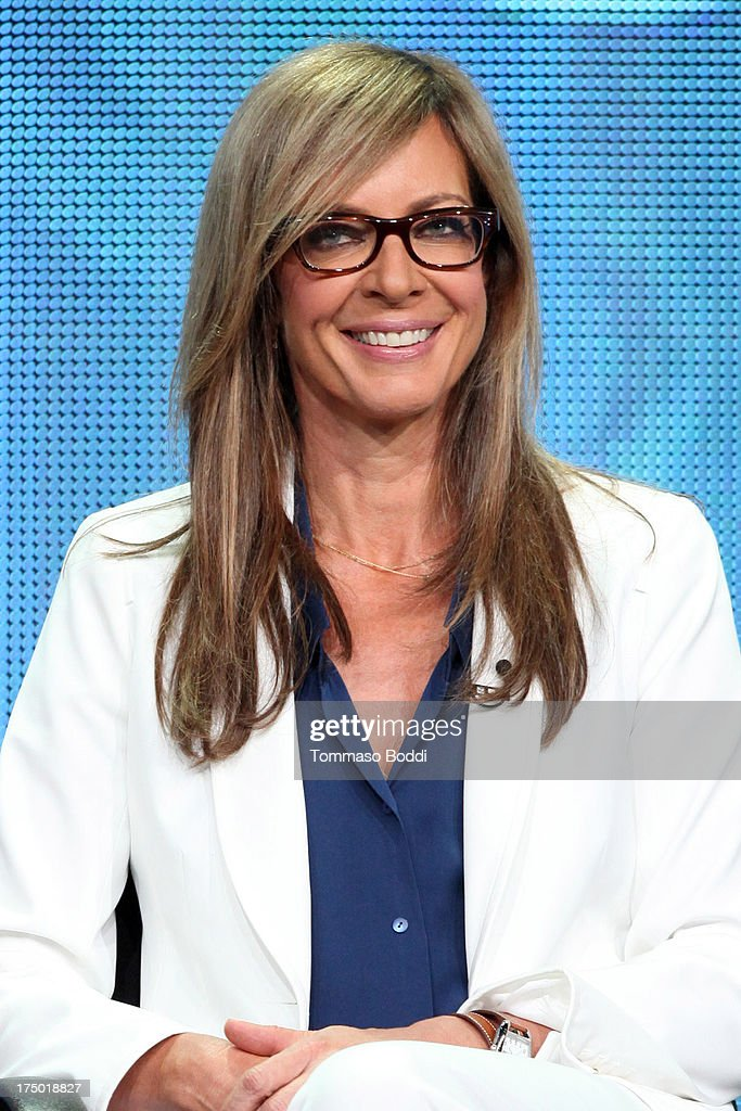 Actress <a gi-track='captionPersonalityLinkClicked' href=/galleries/search?phrase=Allison+Janney&family=editorial&specificpeople=206290 ng-click='$event.stopPropagation()'>Allison Janney</a> of the TV show 'Mom' attends the Television Critic Association's Summer Press Tour - CBS/CW/Showtime panels held at The Beverly Hilton Hotel on July 29, 2013 in Beverly Hills, California.