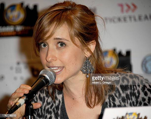 Actress Allison Mack attends Day 3 of Wizard World Chicago Comic Con 2013 held at the Donald E Stephens Convention Center on August 11 2013 in...