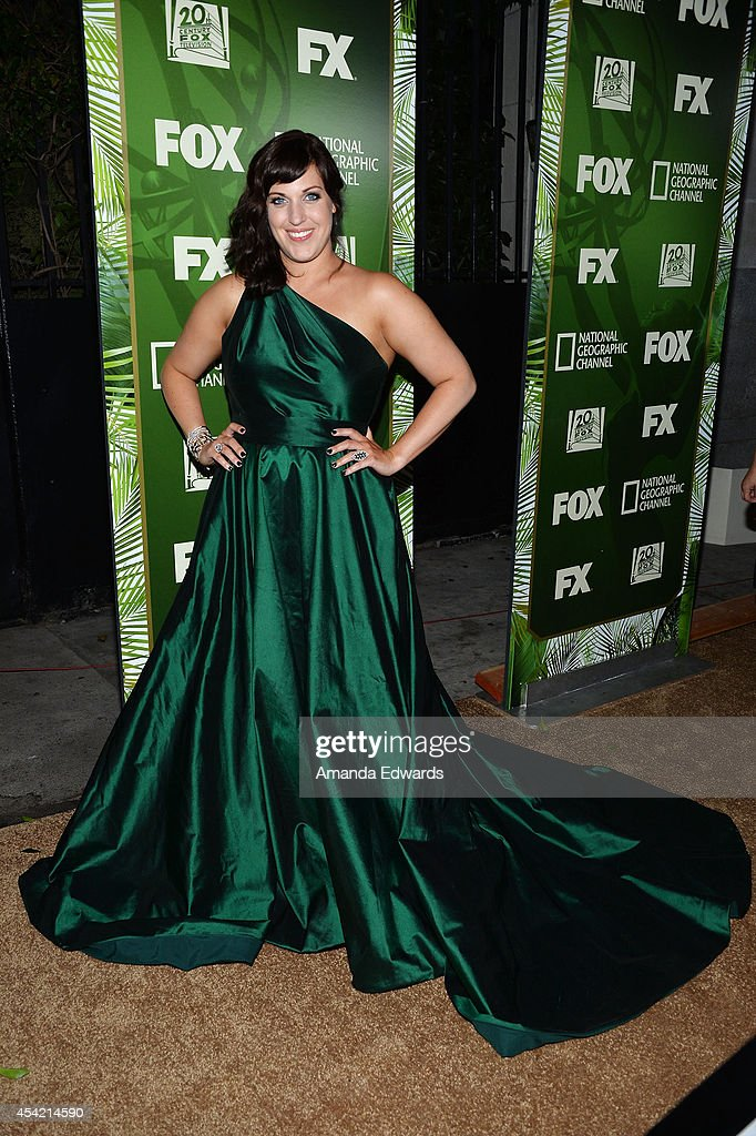 Actress Allison Tolman arrives at the FOX 20th Century FOX Television FX Networks and National Geographic Channel's 2014 Emmy Award Nominee...