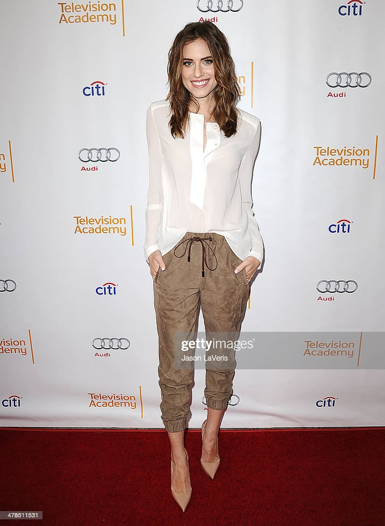 Actress Allison Williams attends an evening with 'Girls' at Leonard H. Goldenson Theatre on March 13, 2014 in North Hollywood, California.
