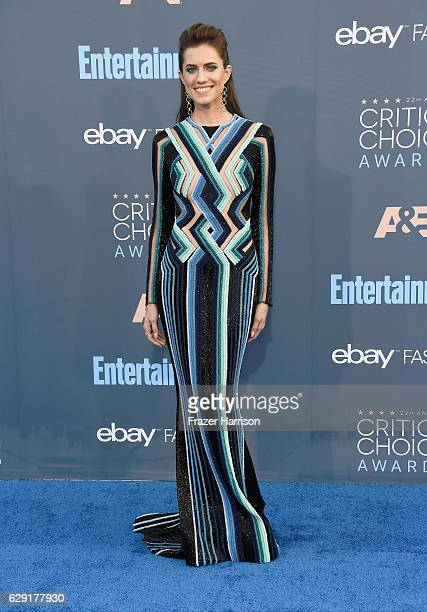 Actress Allison Williams attends The 22nd Annual Critics' Choice Awards at Barker Hangar on December 11 2016 in Santa Monica California