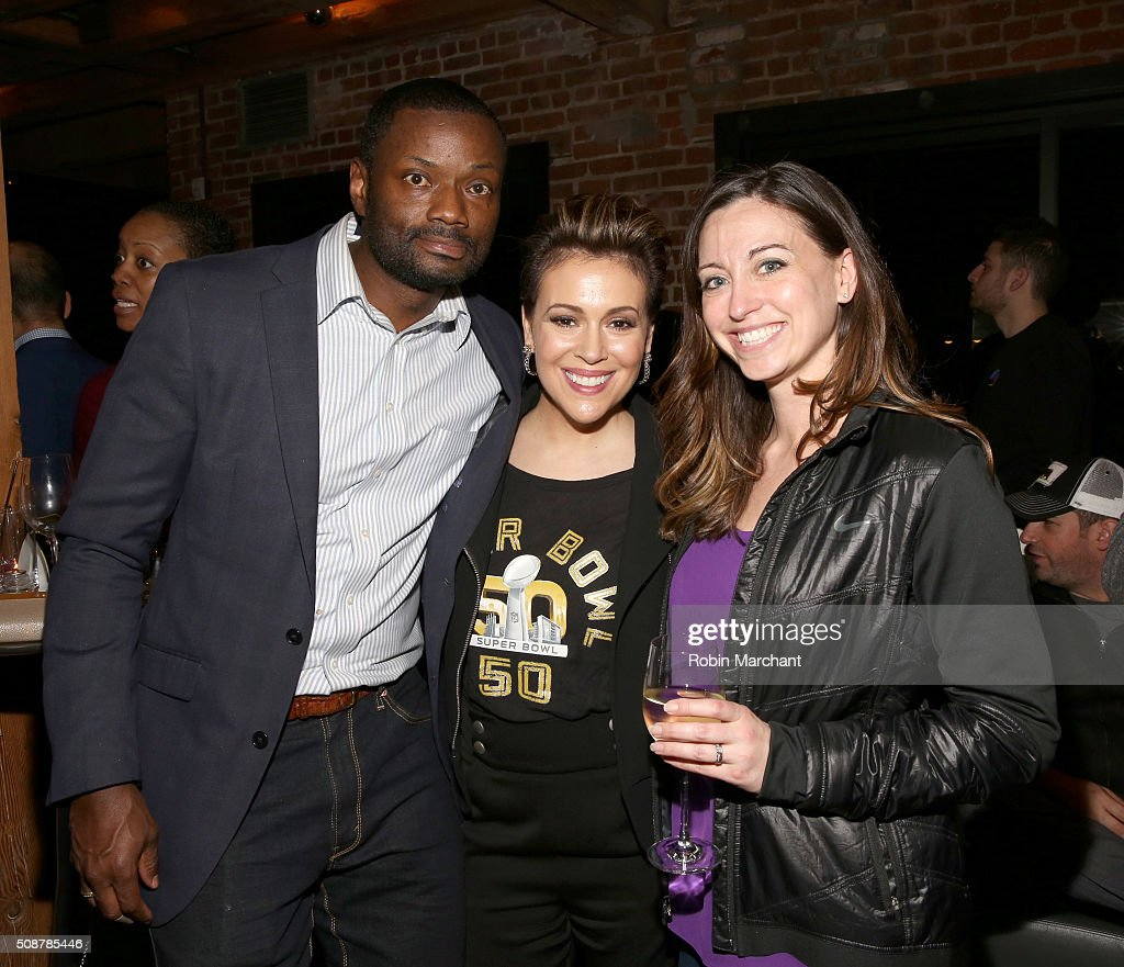 Actress <a gi-track='captionPersonalityLinkClicked' href=/galleries/search?phrase=Alyssa+Milano&family=editorial&specificpeople=203329 ng-click='$event.stopPropagation()'>Alyssa Milano</a> (C) and guests attend Fanatics Super Bowl Party on February 6, 2016 in San Francisco, California.