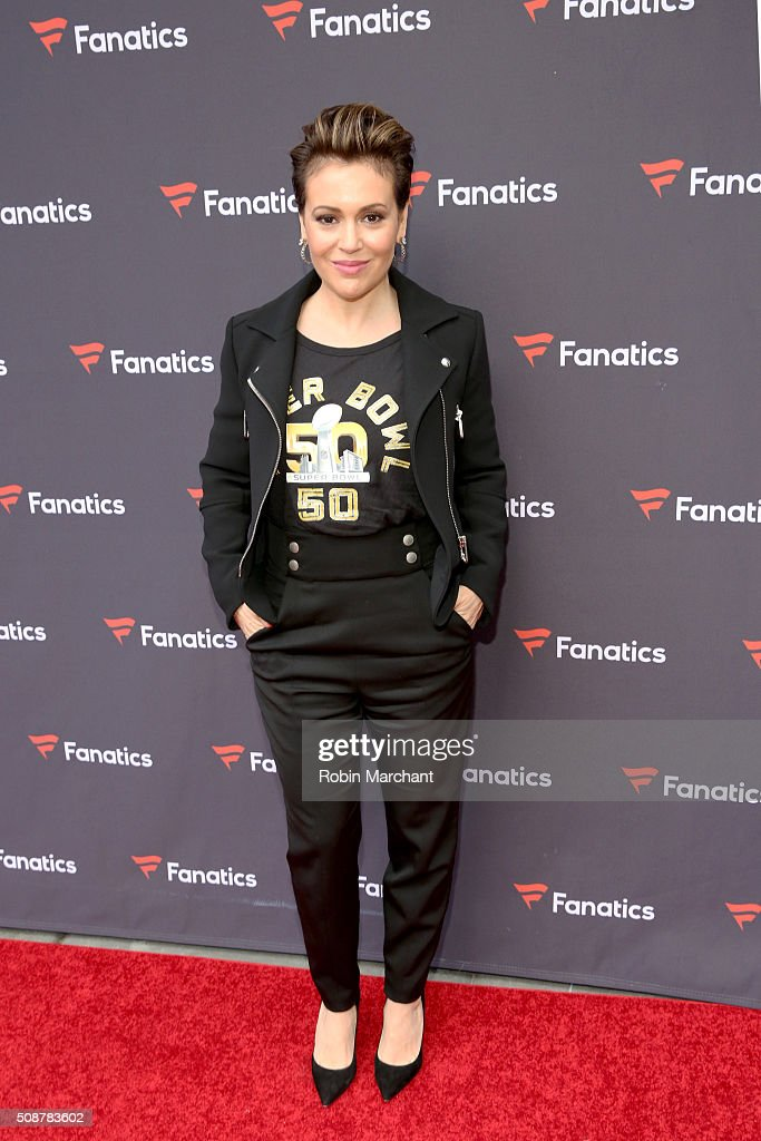 Actress <a gi-track='captionPersonalityLinkClicked' href=/galleries/search?phrase=Alyssa+Milano&family=editorial&specificpeople=203329 ng-click='$event.stopPropagation()'>Alyssa Milano</a> attends Fanatics Super Bowl Party on February 6, 2016 in San Francisco, California.